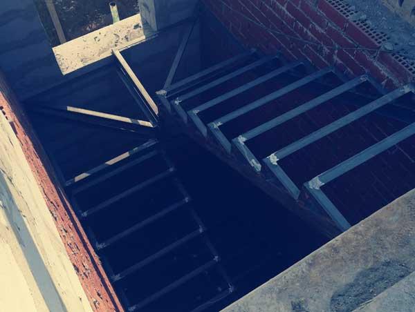 каркас лестницы на металлокаркасе